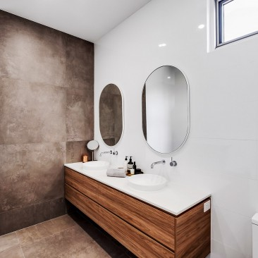 East Terrace Residence Henley Beach bathroom