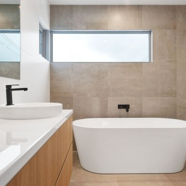 Brookside Drive Residence Tranmere bathroom